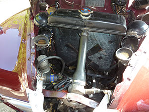 Jowett Javelin - The horizontally opposed engine is very low immediately behind the grille and in front of the radiator
