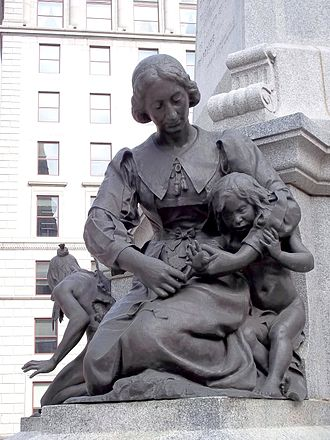 Jeanne Mance - Statue at the foot of Maisonneuve Monument