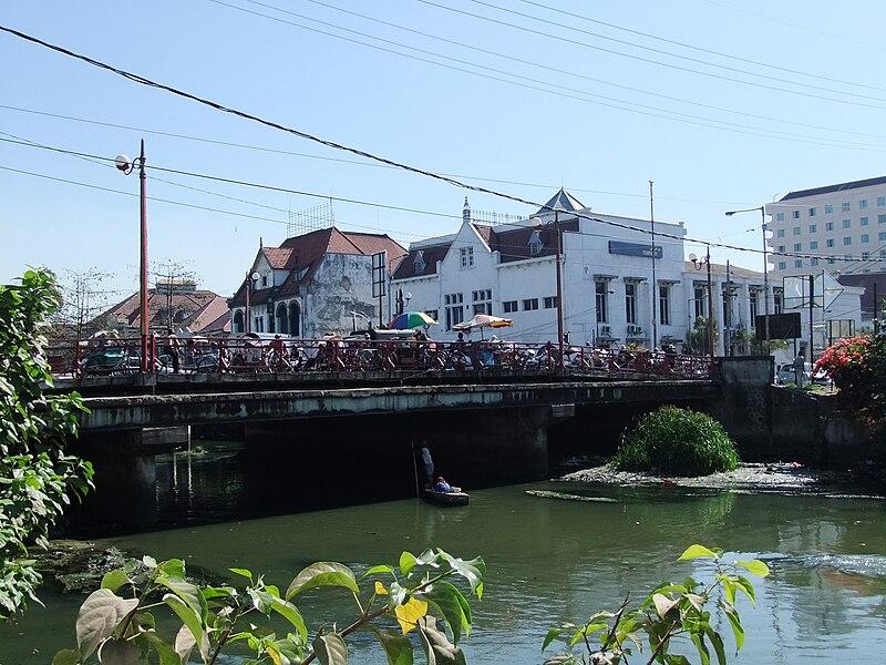 File:Jembatan Merah Surabaya.JPG