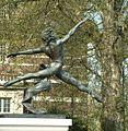 Jeté - Statue by Enzo Plazzotta - Millbank - Westminster - London - 240404.jpg