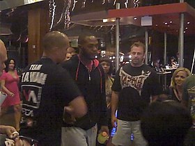 280px-Jon_Jones_-_UFC_100_Fan_Expo_-_Mandalay_Bay_Casino%2C_Las_Vegas