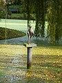 Jongen met vogeltje Maria van Everdingen Rengerspark leeuwarden.JPG