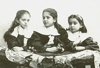 Franz Kafka - Franz Kafka's sisters, from the left  Valli, Elli, Ottla