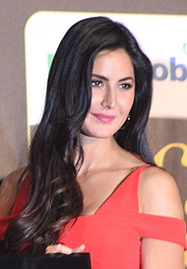 Katrina at IIFA 2017 (cropped).jpg