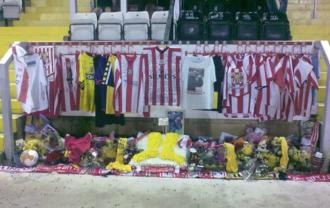 Keith Alexander (footballer) - A memorial to Alexander at Lincoln City's Sincil Bank