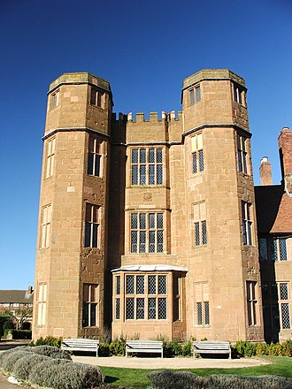 Kenilworth (novel) - Kenilworth Castle's 16th-century gatehouse, built by Robert Dudley