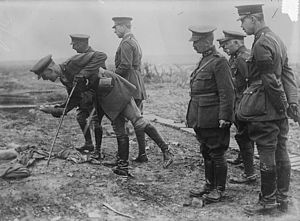 Albert I of Belgium - Albert inspecting the front line with his officers.