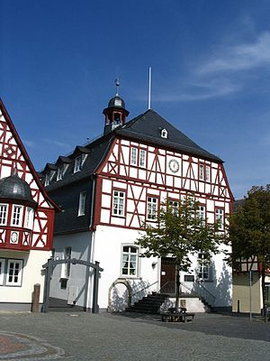 Kirchberg, Rhein-Hunsrück - Kirchberg town hall and marketplace