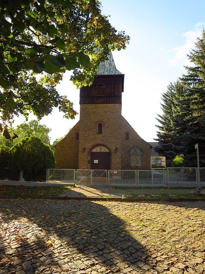File:Kirche St. Johannes Evangelist, Französisch Buchholz