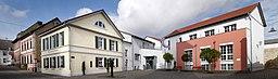 Klein Winternheim altes und neues Rathaus 2016