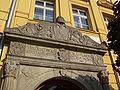 Kmohovský dům-portál-Chrudim.jpg