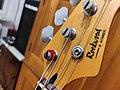 Kopfplatte Hohner bass guitar LX90B.jpg
