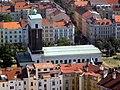 Kostel na Jiřáku ze Žižkovské věže.jpg