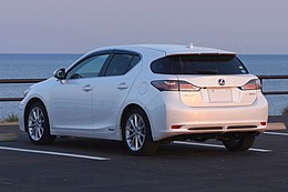 LEXUS CT200h Japan 2011 Rear.JPG