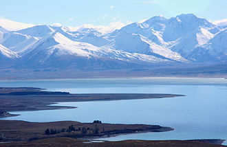 Lake Tekapo - Image: Lake Tekapo & Mountains