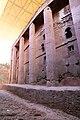 Lalibela, chiesa di bete medhane alem, esterno 17.jpg