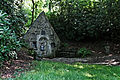 Lampaul-Guimiliau - Fontaine Sainte-Anasthasie - 002.jpg