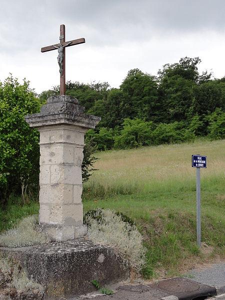 Laversine (Aisne) croix de chemin Rue de la Montagne de Quinze