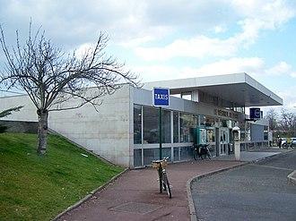 Le Vésinet–Le Pecq station - Image: Le Vésinet Le Pecq Gare 1