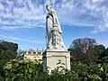 Le château de la Malmaison et la statue de Joséphine de Beauharnais par Gabriel-Vital Dubray.jpg