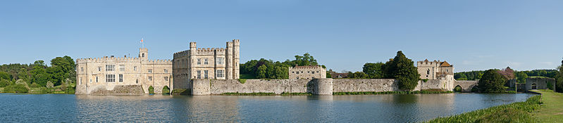 File:Leeds Castle, Kent, England 1 - May 09.jpg