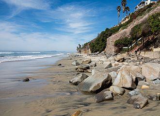 Leucadia State Beach - View along the beach