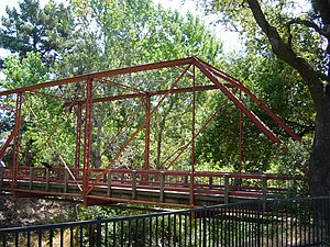 Eyebar - Image: Light Truss Bridge