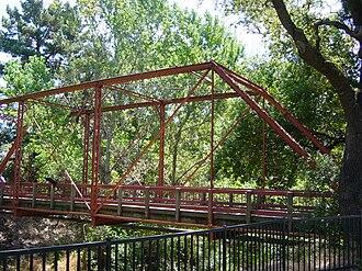 Eyebar - Image: Light Truss Bridge