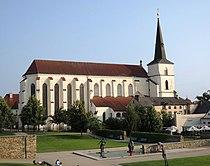 Litom kostel sv Krize z parku od S DSCN0550.JPG