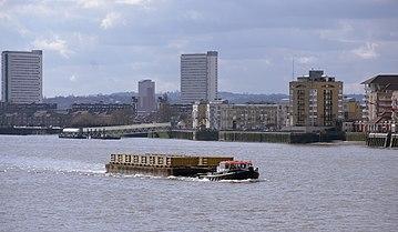 London MMB P4 River Thames.jpg