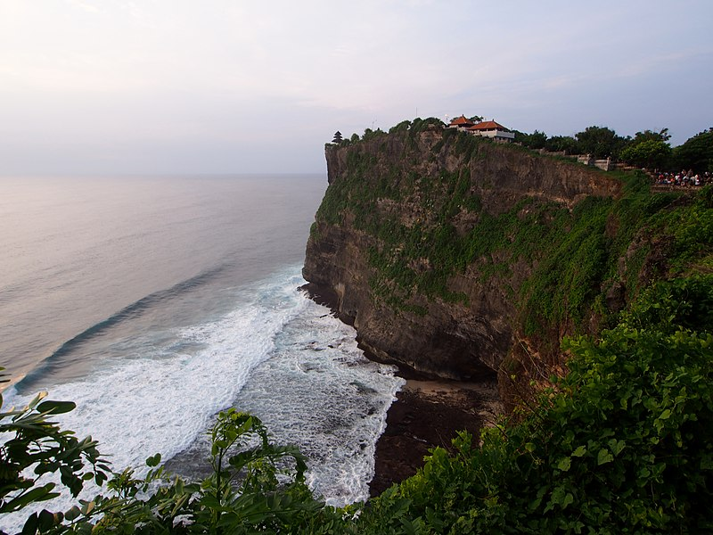 Uluwatu Temple – An Island where heaven meets earth