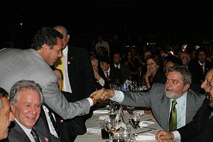Vanderlei Luxemburgo - Luxemburgo, left, shaking the hand of Luiz Inácio Lula da Silva, right, in 2006.