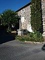 Lussas - Chemin des Barbiers, croix (2).jpg