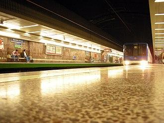 Méndez Álvaro (Madrid Metro) - Image: Méndez Álvaro (357186329)