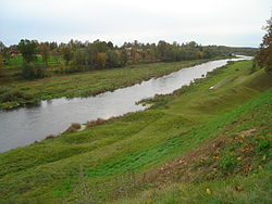Mūsa river near Bauska Castle.jpg