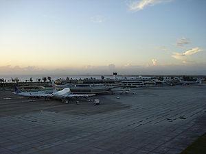 Las Américas International Airport - Image: MDSD Terminal A&Bview