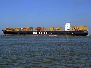 MSC Chicago pC, leaving Port of Rotterdam, Holland 08-Mar-2007.jpg
