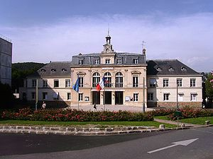 Orsay - Town hall