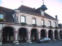 Mairie de La Ferté-Vidame.JPG