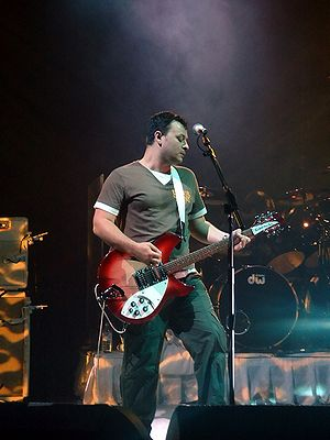 James Dean Bradfield - James Dean Bradfield live in London in 2005