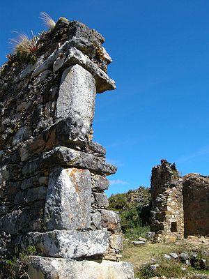 Marcahuamachuco - Marcahuamachuco, Muros del Castillo