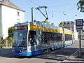 Markkleeberg, Straßenbahn August Bebel in der Rathausstraße, 1.jpeg