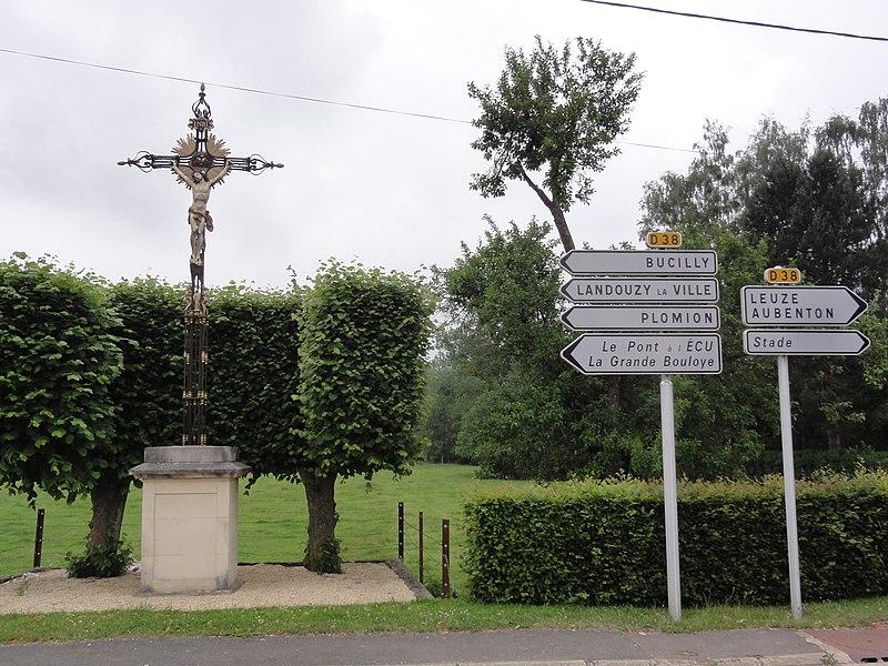 Martigny (Aisne) croix de chemin