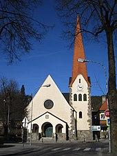 völgyében, óriási hegycsúcsok között fekvő Spittal an der Drau ...