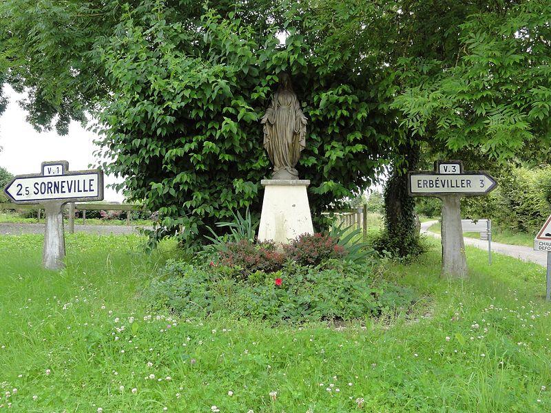 Mazerulles (M-et-M) statue de la Vierge