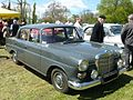 Mercedes 230.jpg