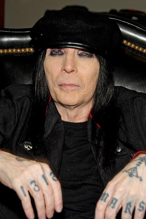 Mick Mars 2012