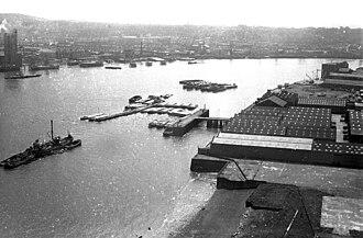 London Yard - Derelict London Yard (foreground) in 1974.