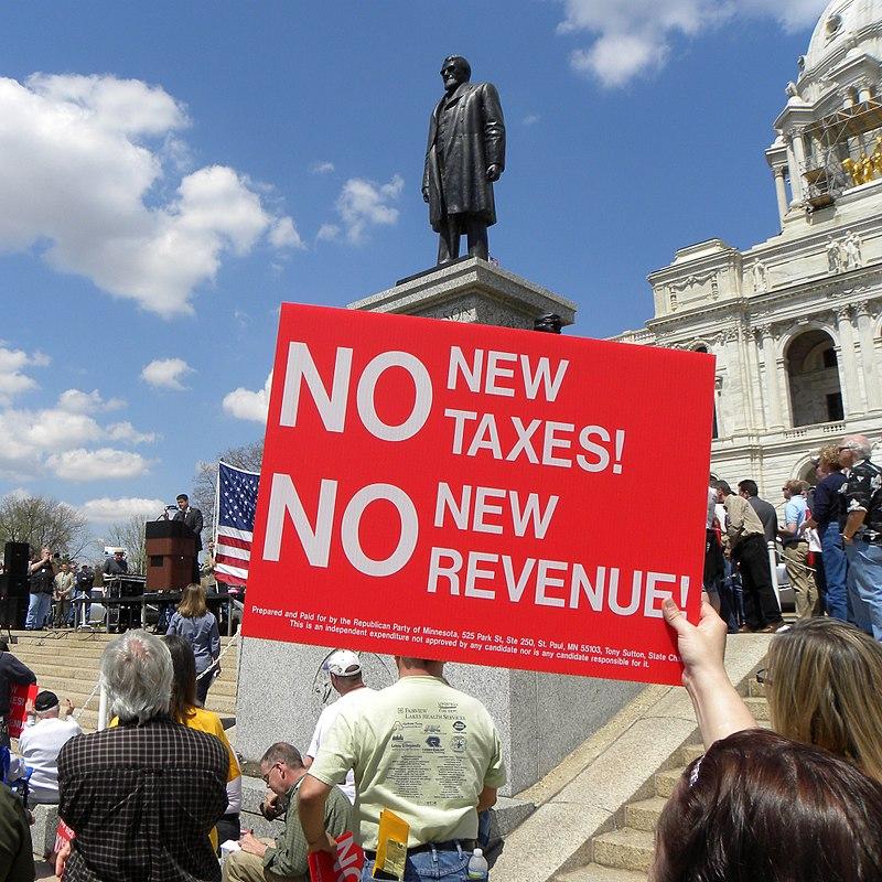 Minnesota Tax Cut Rally 2011 (5697256303).jpg