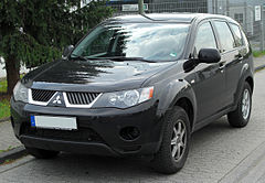 Mitsubishi Outlander II przed liftingiem